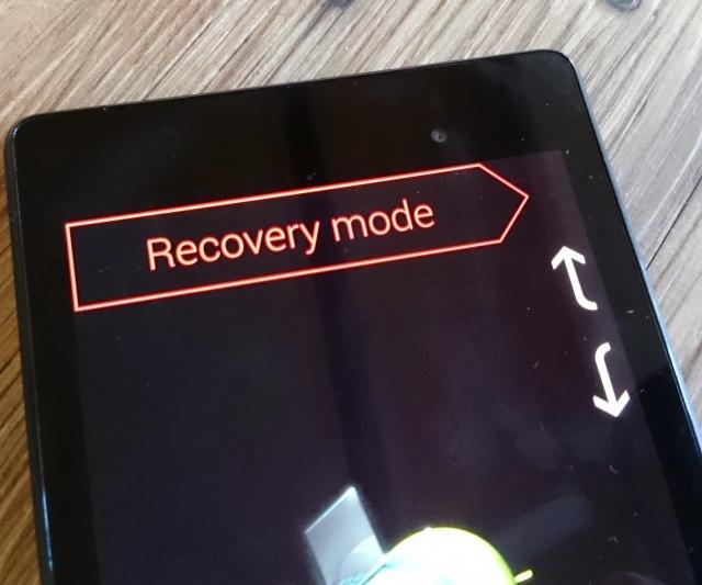 Chọn chế độ Recovery và kích hoạt bằng phím nguồn