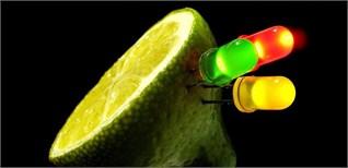 Khám phá những cách thắp sáng bóng đèn kì quái nhất thế giới