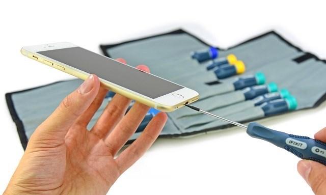 Cận cảnh quá trình mổ xẻ iPhone 6 Plus
