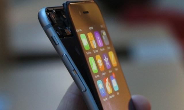 iPhone 6s bị bẻ cong