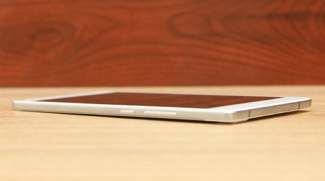 Trên tay Oppo R5 siêu mỏng tại Thegioididong