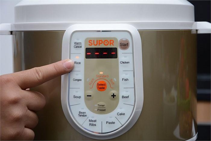 Nồi áp suất điện Supor CYSB50YC10VN-100 có nhiều chế độ nấu tự động