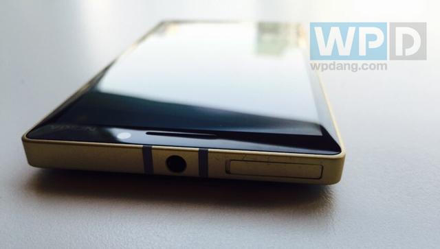 Cận cảnh chiếc Lumia 930 đặc biệt vừa bán ra thị trường 7