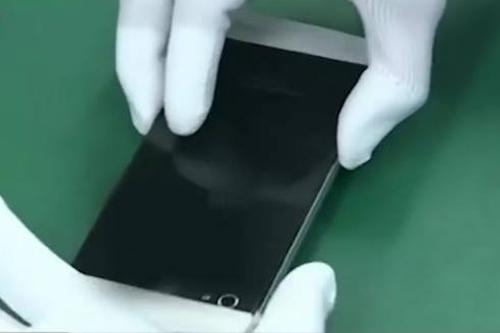 Tiết lộ giá bán của smartphone BKAV
