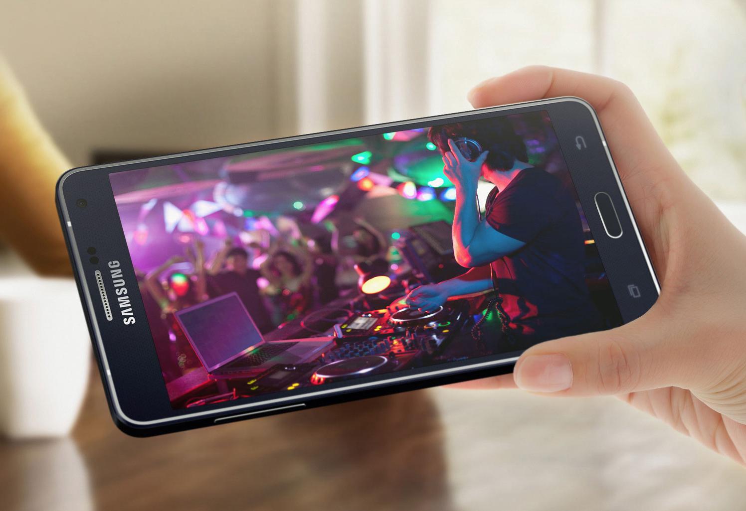 3 smartphone màn hình Full HD xem phim 'cực sướng' có giá tốt nhất 4