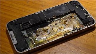 iPhone 5 phát nổ ngay trong túi quần, nam thanh niên bỏng đen cả đùi
