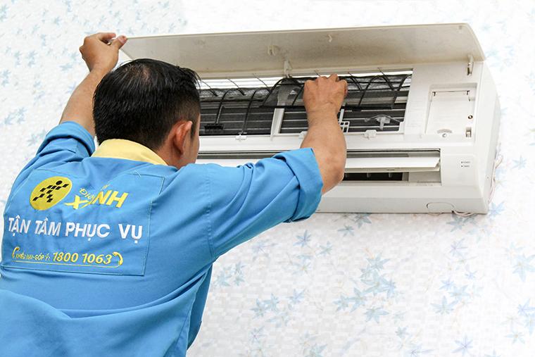 Nên nhờ thợ chuyên nghiệp để lắp máy lạnh
