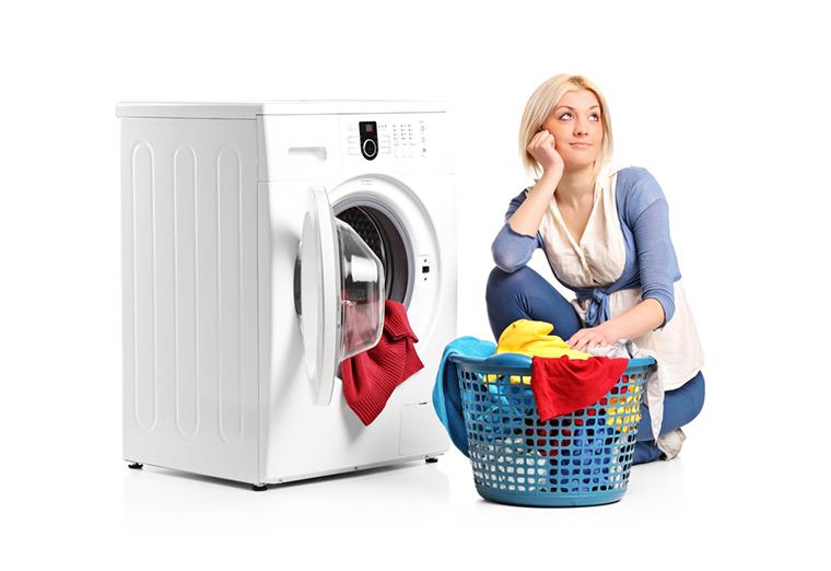 Máy giặt giúp giảm bớt thời gian làm việc nhà