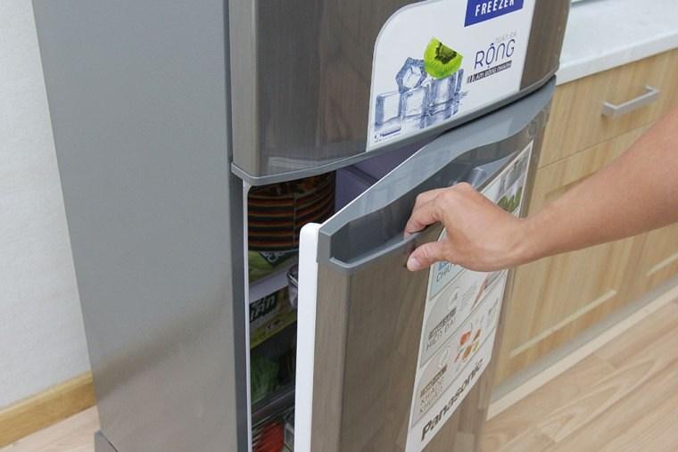 Hãy mở và đóng tủ lạnh nhanh chóng khi sử dụng