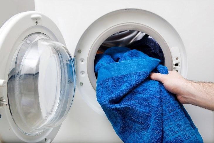 Điện rò rỉ có thể gây giật điện khi lỡ chạm vào máy giặt