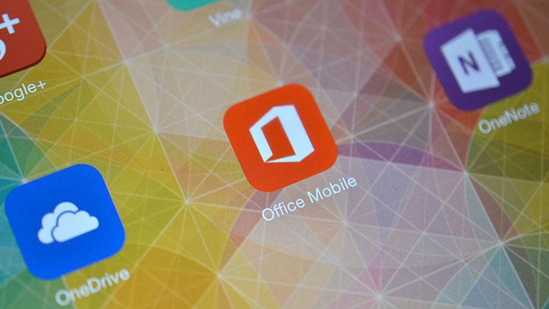 Những smartphone sau này của Lenovo (bao gồm các sản phẩm có nhãn hiệu Motorola) sẽ được cài sẵn bộ ứng dụng Office, Skype và OneDrive của MS