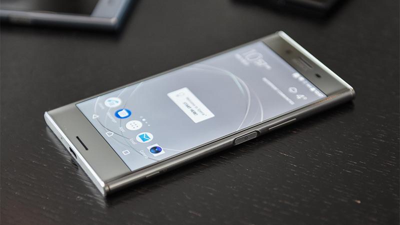 Xperia XZ Premium vỏ kim loại bắt mắt