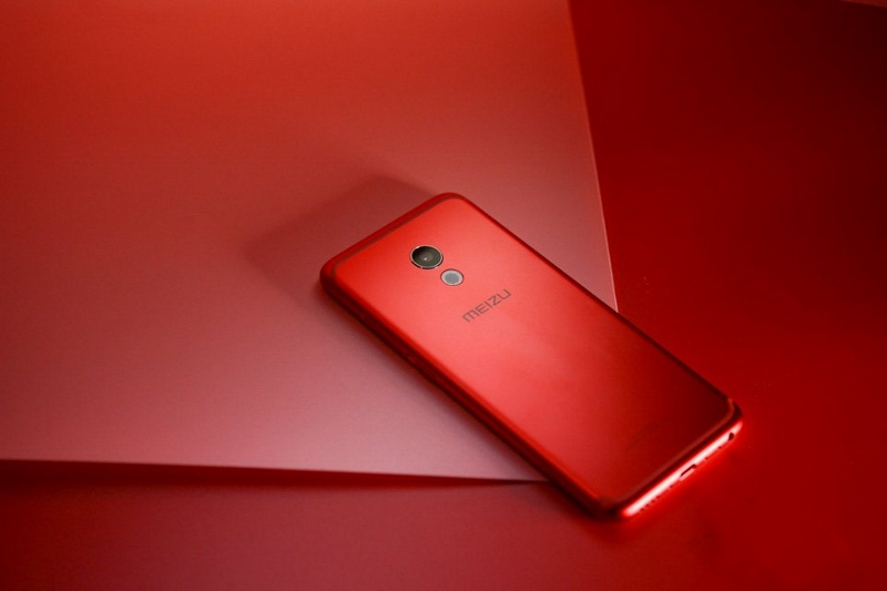 5 flagship Android có màu đỏ cực đẹp không kém iPhone 7, 7 Plus