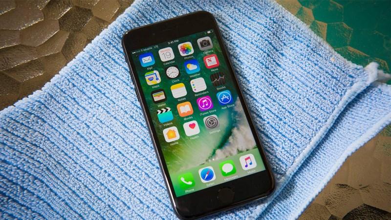 So sánh Galaxy S8 và iPhone 7