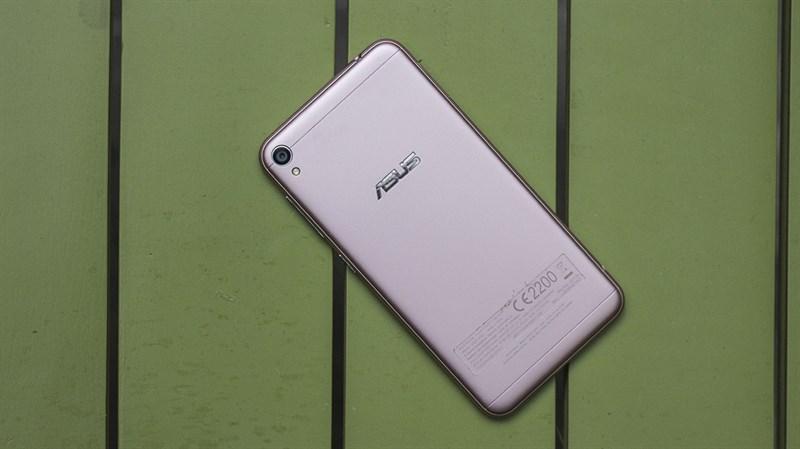 TRên tay Zenfone Live