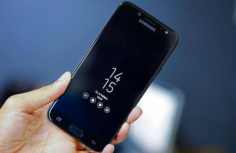 Galaxy J7 Pro có màn hình đẹp, pin khoẻ