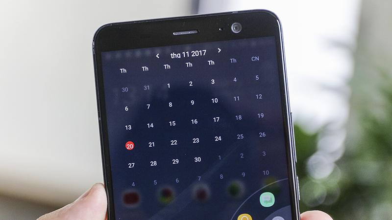 Trải nghiệm Sense Home và Edge Launcher trên HTC U11+