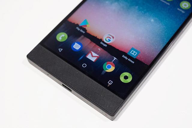 Là một trong những chiếc smartphone có màn hình đẹp nhất hiện nay