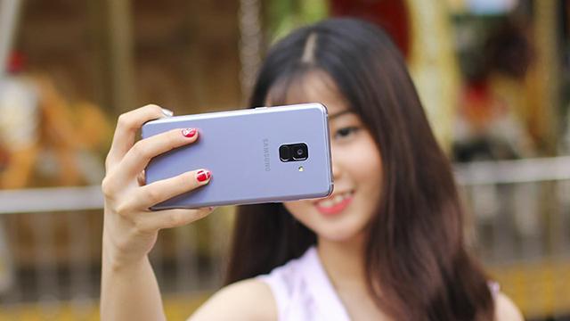 Camera selfie Samsung Galaxy A8+ (2018)