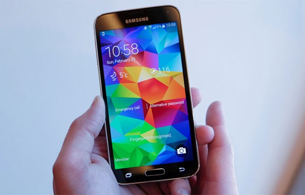 Samsung Galaxy S5 IP67 chống thấm nước và bụi