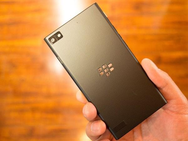BlackBerry Z3 smartphone tầm trung giá rẻ