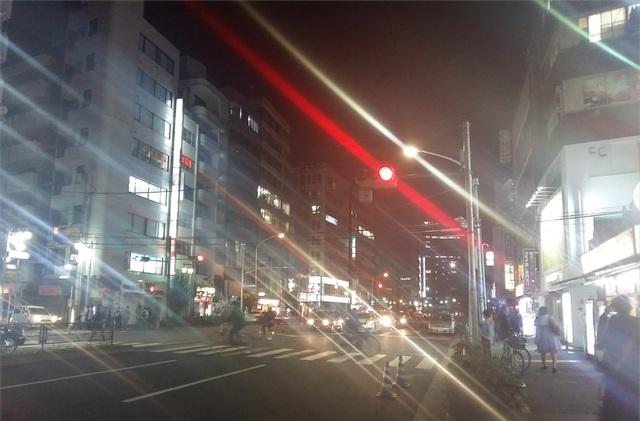 Ảnh chụp phơi sáng trên con phố Tokyo