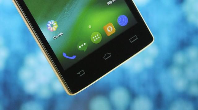 """Máy cung cấp 3 phím cảm ứng đặc trưng của hệ điều hành Android: """"Quay về, Home, Tùy chọn"""""""