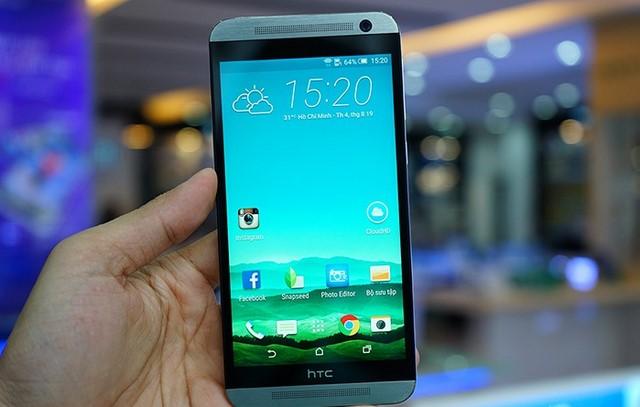 Máy có thiết kế lớn và đẹp thừa hưởng của dòng HTC One