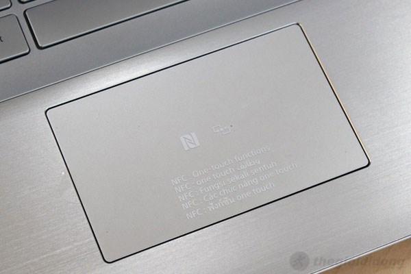 Touchpad trên Fit 15 khá rộng rãi, thoải mái