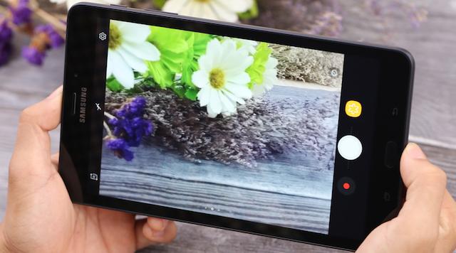 Samsung Galaxy Tab A 8.0 (2017) - Camera 8 MP chất lượng tốt hơn