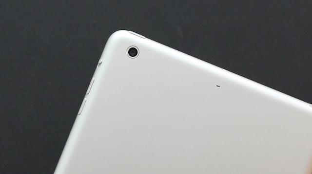 Các chi tiết trên iPad mini 2 được hoàn thiện rất tốt