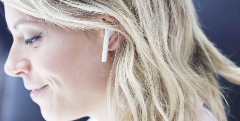 Tai nghe Bluetooth AirPods Apple MMEF2 - Nút tai nghe được làm rất vừa vặn với tai tạo cảm giác thoải mái