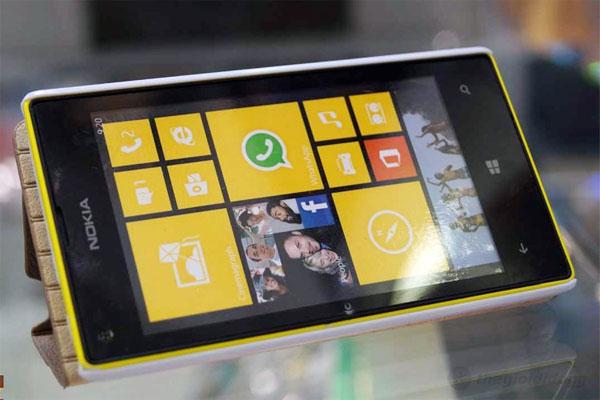 Màn hình của Lumia 520 vẫn giữ được không gian rộng rãi khi sử dụng