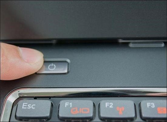 Tắt Laptop bằng phím nóng