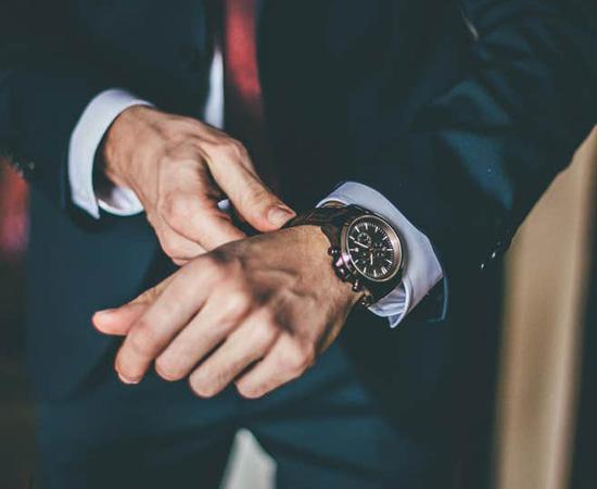 chọn cổ tay đeo đồng hồ