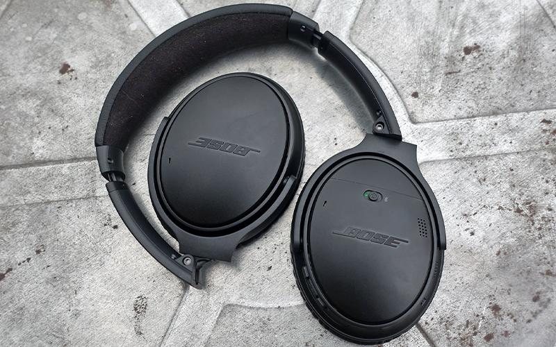 Chống ồn chủ động ANC do hãng âm thanh Bose phát triển vào những năm cuối thế kỉ 20.